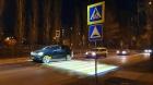 В Воронеже у школы запустили подсвеченный пешеходник