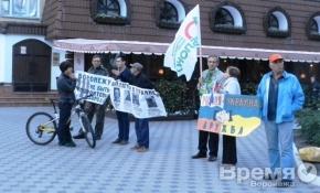 Пикет в Воронеже за мир на Украине: «Вы поддерживаете убийц»