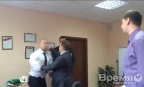 Телевизионщиков, которые «напали» на мэра Воронежа, избил оренбургский чиновник
