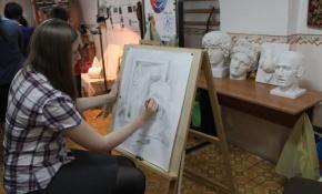 Юные художники  получили от фонда УГМК «Дети России» полный комплект гипсовых фигур