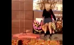 СК проверит видео с танцем у Вечного огня под Воронежем